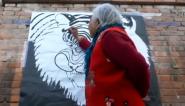 82岁老太有绝技  泼墨画虎成网红