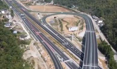 """安徽:""""县县通高速""""目标年内完成 高速公路建设投资创新高"""