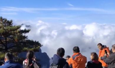 黄山现今秋首场雾凇景观